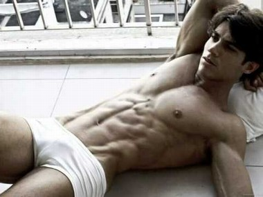 Your Hunk of the Day: Carlos Freire