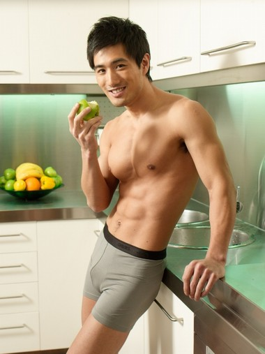 Your Hunk of the Day: Choi Ho Jin