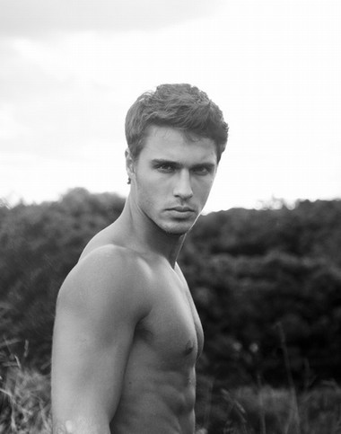 Your Hunk of the Day: Lucas Medeiros