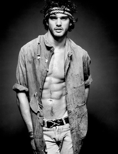 Your Hunk of the Day: Marlon Teixeira