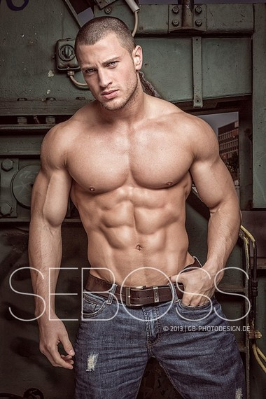 Your Hunk of the Day: Sebastian Mansla